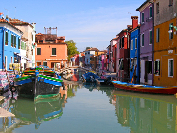 Top-Things-to-do-in-Venice-Italy-Burano-Island