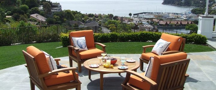 Essential things on How to Select the Proper Patio Furniture